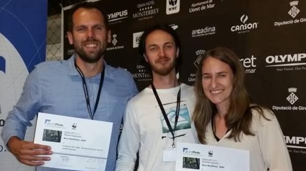 Die Preisträger Robert Haasmann, Marc Graf und Christine Sonvilla wollen mit guten Fotos aufklären
