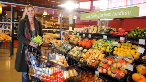 Es ist verdammt hart, der Beste zu sein: Der Verein für Konsumenteninformation hat zum ersten Mal den österreichischen Lebensmittelhandel punkto Nachhaltigkeit und Ethik getestet.