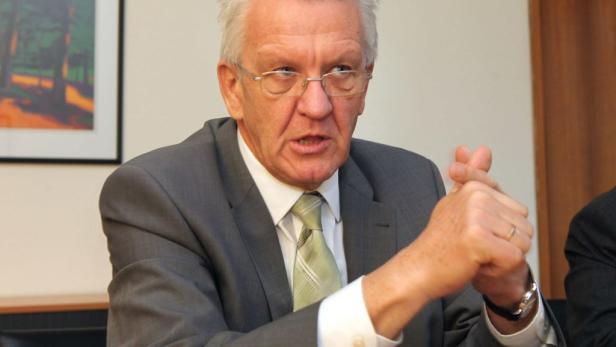 Winfried Kretschmann: Als Ministerpräsident von Baden-Württemberg muss der Grüne jetzt das Bahnprojekt Stuttgart 21 umsetzen.