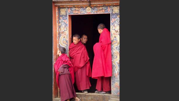 Bhutan: Die Klosterfestung Phunaka liegt malerisch zwischen zwei Gletscherbächen