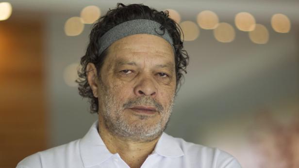 """Demokrat: Socrates lief bei der WM 1986 in Mexiko mit einem Stirnband mit der Aufschrift """"People need justice"""" auf."""