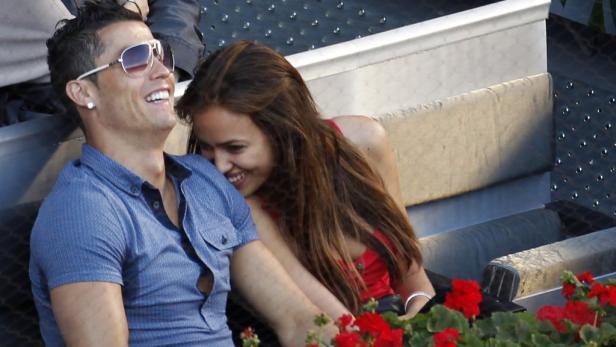 Verliebt: Seit 2010 ist das rassige Model Irina Shayk mit dem Star-Kicker Cristiano Ronaldo liiert.