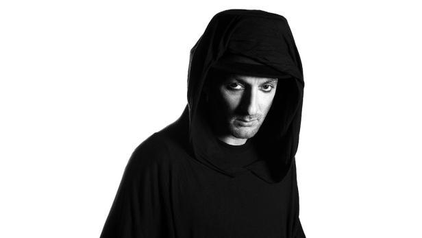 Der Londoner DJ Damian Lazarus besorgte am 9. Dezember den Auftakt.