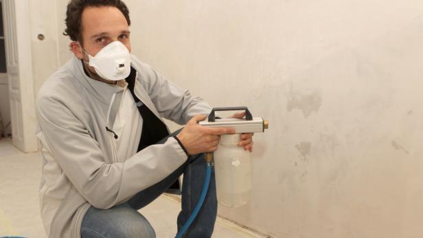 Der Schimmelbekämpfer Martin Mostböck saniert rund 160 Wohnungen pro Jahr
