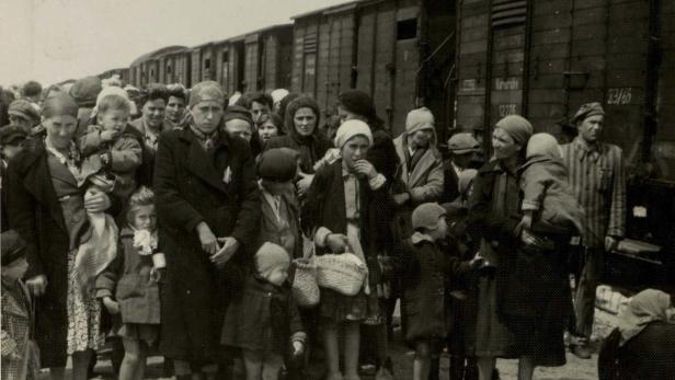 Mehr als eine Million Menschen wurden, meist in Viehwaggons, hier hergebracht und von den Nationalsozialisten ermordet