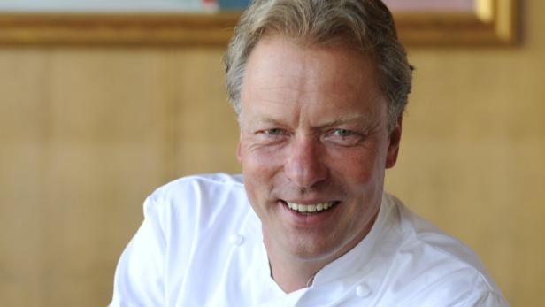 """Bobby Bräuer, Küchenchef des """"Petit Tirolia"""" in Kitzbühel wurde heuer von GaultMillau zum """"Koch des Jahres 2012 """" gewählt. Der Witzigmann-Schüler erreichte 18 von 20 möglichen Punkten."""