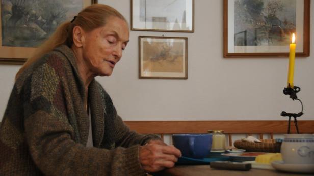 Frühstück am Sonntag mit Erni Mangold in ihrem Haus bei Gars am Kamp