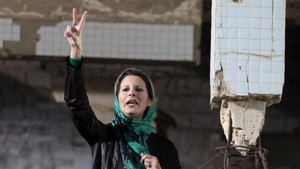 Gaddafi-Tochter Aisha (34) hetzte aus dem Exil gegen die Anti-Gaddafi-Kämpfer.