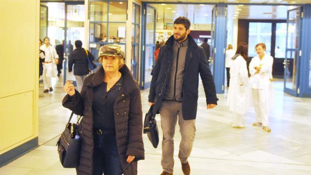 George Michaels Lebensgefährte Fadi Fawaz dürfte sich laut Twitter schon damit abgefunden haben, die nächsten Tage in Wien zu verbringen.