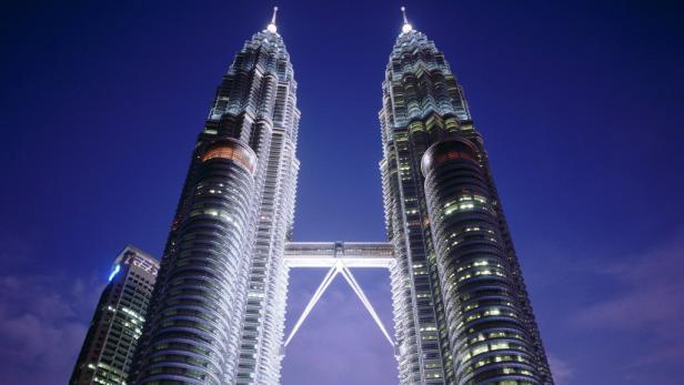 Petronas Towers in Kuala Lumpur, die höchsten Zwillingstürme der Welt.