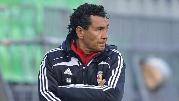 Trainer Moniz bleibt.