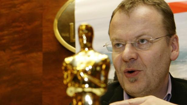 Stefan Ruzowitzky mit seinem Oscar.