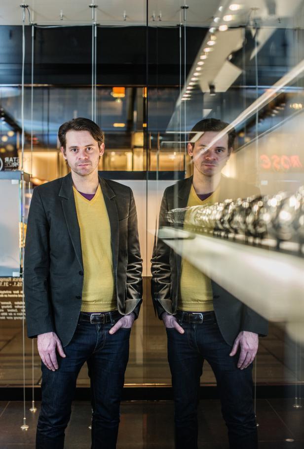 Patrick Rampelotto ist in den Bereichen Möbeldesign und Shopinterior tätig.