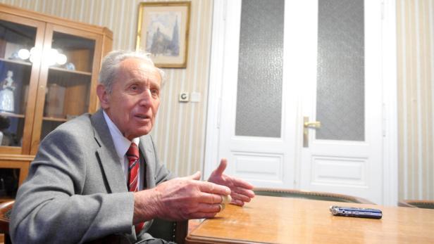 Erfahren, flexibel, aktiv, den Blick in die Zukunft gerichtet: Carl Manner ist 82 Jahre alt und will immer noch verändern.