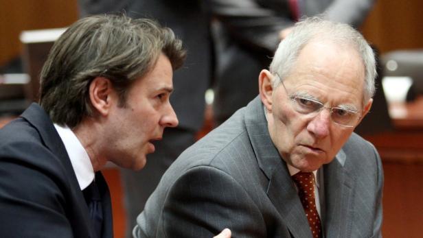 Frankreichs Finanzminister Francois Baroin mit deutschem Amtskollegen Wolfgang Schäuble.