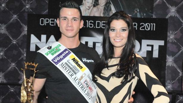 """""""Mister Austria"""" Kurt Kases und die """"Miss Austria 2011"""" Carmen Stamboli."""