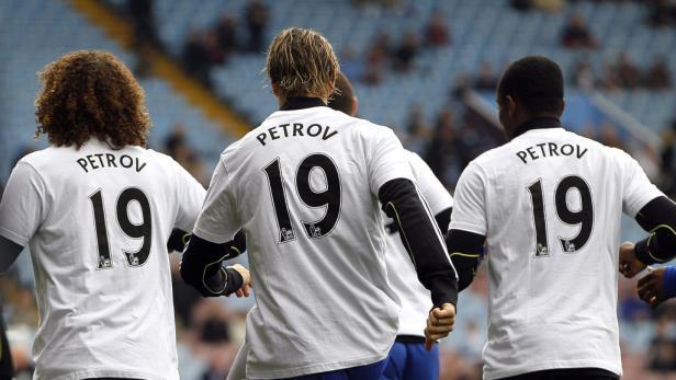 Chelsea-Spieler trugen beim Aufwärmen Dressen mit Petrows Namen.