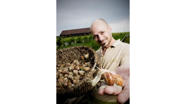 Andreas Gugumuck betreibt eine Schneckenfarm in Rothneusiedl. Diese Woche gibt es in ganz Wien erlesene Menüs mit den Weichtieren.