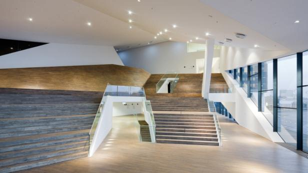 """APA/DMAA/IWAN BAANAPA7293572-3 - 21032012 - AMSTERDAM - NIEDERLANDE: ZU APA-TEXT KI - Das vom österreichischen Architekturbüro Delugan Meissl gebaute """"EYE Film Institut Niederlande"""" in Amsterdam wird in Kürze eröffnet (UNDATIERTES ARCHIVBILD). +++ WIR"""