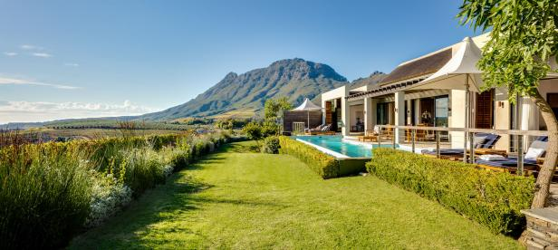 delaire-graff-lodges-and-spa-room-owners-lodge-exterior-01_Credit_Rhino Africa.jpg