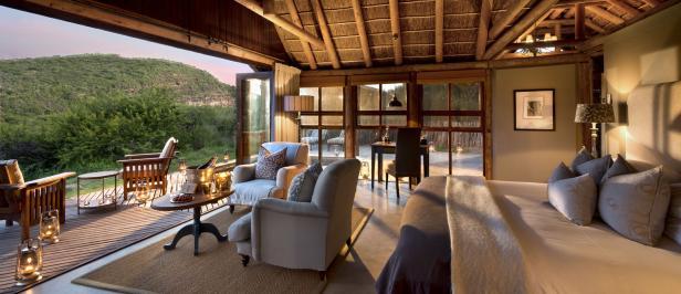 kwandwe-great-fish-river-lodge-room-luxury-suite-interior-01_Credit_Rhino Africa.jpg