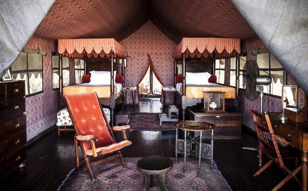 jacks-camp-room-twin-tent-interior-03_Credit_Rhino Africa.jpg