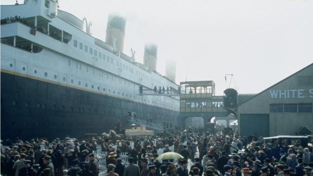 """James Camerons Verfilmung """"Titanic"""" von 1997 wurde zum damals erfolgreichsten Film aller Zeiten"""