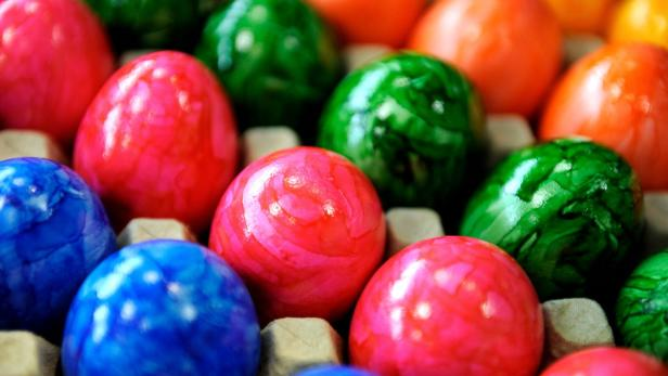 Bunte Eier fuer den Osterhasen