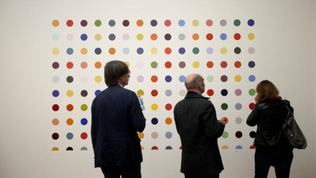 """""""Spot""""-Paintings: Hirsts unendliche Variationen von Farbkreisen."""