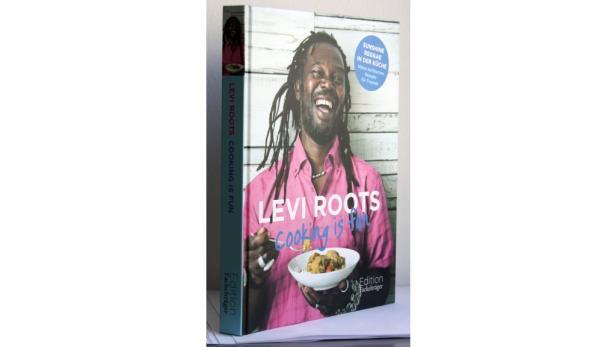 """Roots: """"Cooking is fun"""" Übers. von Annerose Sieck. Fackelträger. 25,70 €."""