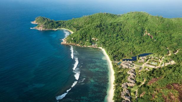 Das neue Kempinski Resort liegt in einer der schönsten Buchten von Mahé.