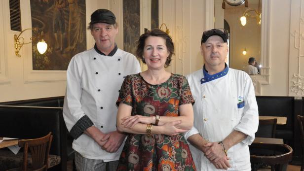 Martina Postl mit Küchenchef J. Friedrich und Konditor M. Grava