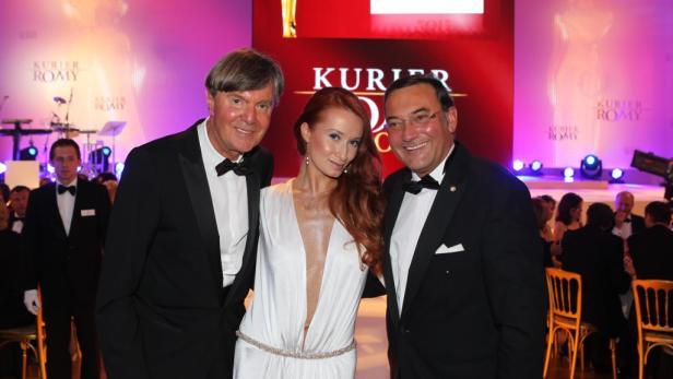 ÖBB-Postbus: Richard Kaufmann (KURIER), Karina Sarkissova und Heinz Stiastny.
