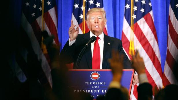 US-PRESIDENT-ELECT-DONALD-TRUMP-HOLDS-PRESS-CONFER