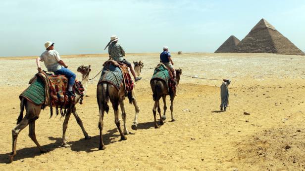 Kameltour zu den Pyramiden: Urlauber blieben 2011 aus.