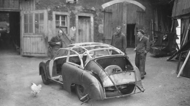 Bilder aus dem Buch über den DDR-Porsche von Alexa…