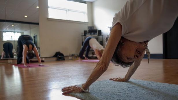 98 Jahre Alt Das Ist Die Alteste Yogalehrerin Der Welt Kurier At