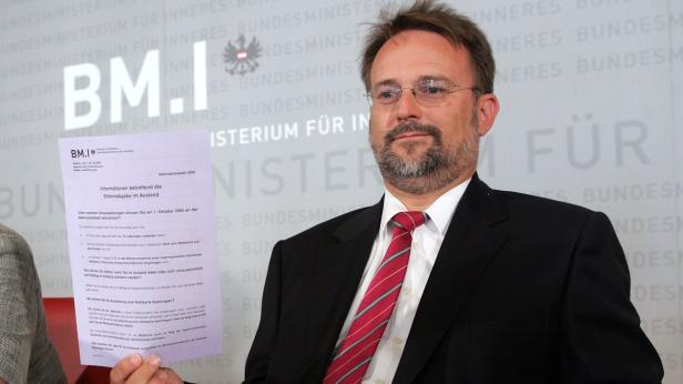 Robert Stein: Wächter über bundesweite Wahlen