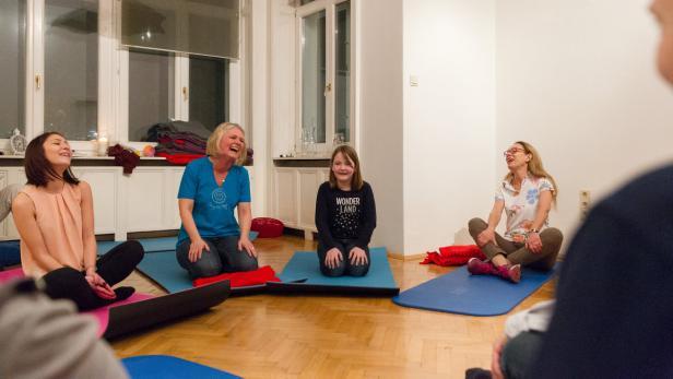 Lach-Yoga Seminar