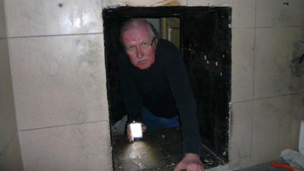 Peter Reichard im Kellerverlies in Strasshof