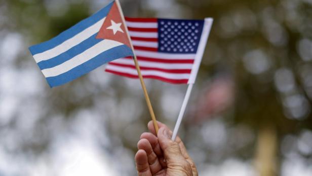 Cubans protest against Obama's visit to Cuba in Mi