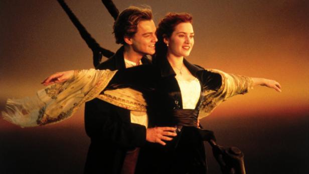 "Leonardo DiCaprio und Kate Winslet in James Camerons Kassenschlager ""Titanic"" (1997)"