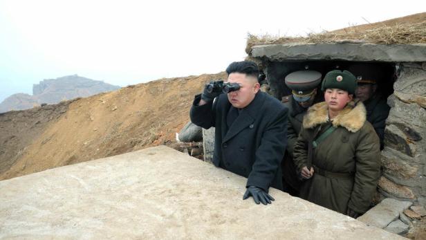 Kim Jong-un bei einem Kasernenbesuch