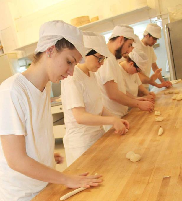 Kinder-Jugend-Friedenspreis, Bäckerei-Lehrlinge