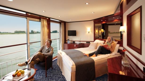 Edel: Die 51 Suiten mit Panoramaverglasung auf der TUI Queen.