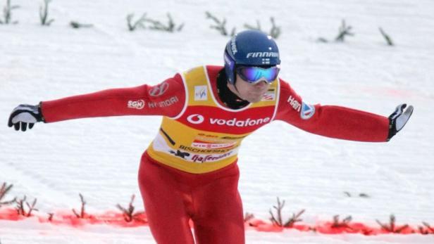 Ahonen wurde nach drei Siegen in Bischofshofen Zweiter.