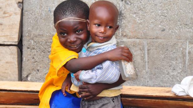 Berührende Erlebnisse garantieren die bitterarmen, aber kontaktfreundlichen Menschen Ugandas.