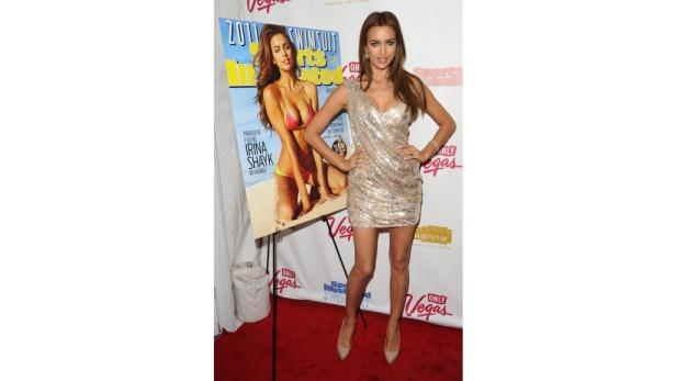 dapdCover Model Irina Shayk attends the 2011 Sports Illustrated swimsuit issue unveiling party, in New York on Tuesday, Feb. 15, 2011. (Foto:Peter Kramer/AP/dapd)
