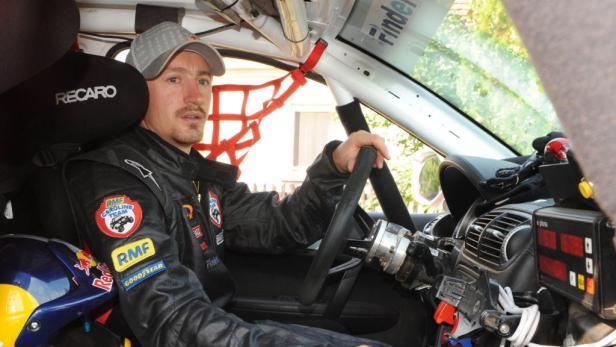 Steuermann: Malysz pilotiert zum ersten Mal ein Auto bei der Rallye Dakar und kurvt durch Argentinien, Chile und Peru.