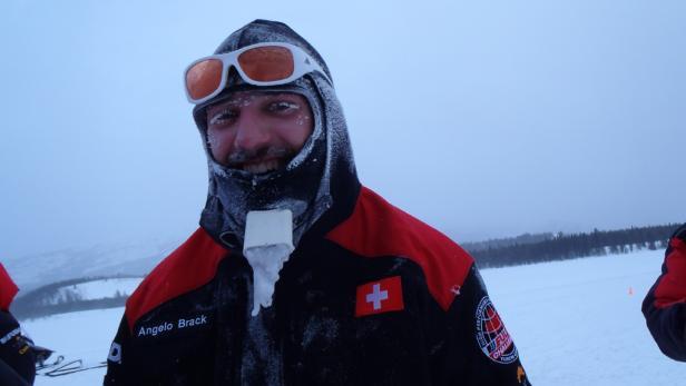 Angelo Brack: Eiskalter Zungenpritschler.